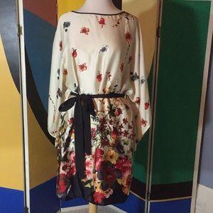 Flower print dress with kimono sleeve